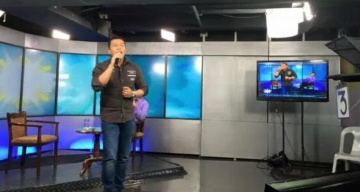 Ronilo Victoriano sings live on TV